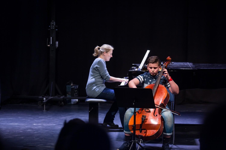 gutt spiller cello_knuden kulturskole. foto: Max Emanuelson